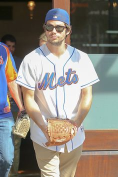 Dylan O'Brien Throws Out First Pitch at Mets Game Proving Dreams Do Come True Teen Wolf Mtv, Teen Wolf Boys, Dylan O'brien, Dylan O Brien Cute, Teen Wolf Quotes, Bae, Dylan Sprayberry, O Brian, Scott Mccall
