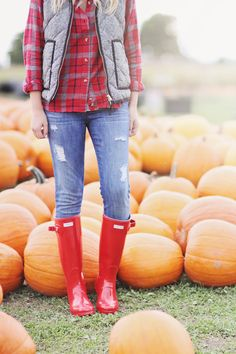 Fall Style   Cozy Autumn Plaid   Hunter Boots   Pumpkin Patch
