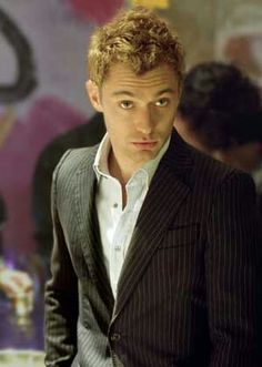 Jude Law in Alfie so sexy back before the world knew he was cheater and about to start losing his hair lol