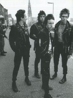 superblackmarket:  The Clash in Belfast, 1977