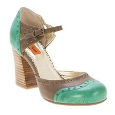 Miz Mooz Trill, love Betty Grable throw-back shoes