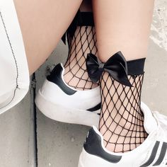 Fishnet Bowknot Socks SE10138