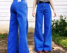 932eb6f4 Vintage 1960s 1970s High Waisted Classic Mid Blue Denim Hippie Perfect Fit Levis  Bell Bottom Jeans 25 x 31.5