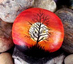Weird tree. Painted by cat. Pebble Painting, Pebble Art, Stone Painting, Diy Painting, Painting Videos, Rock Painting Ideas Easy, Rock Painting Designs, Stone Crafts, Rock Crafts