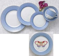 Mottahedeh Cornflower Blue Lace Dinnerware: This versatile pattern with its delicate border was inspired by Ch'ing Dynasty (1644-1911) porcelain from China. Highlighted by bands of 22K gold, this elegant design makes a stunning presentation and coordinates beautifully with other services. Dinnerplate 10 1/4