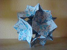 Bola de flores de papel hecha a mano