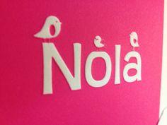Geboortekaartje, birth announcements, geboortekaartenonline, oudhollands papier, reliefdruk, letterpress. Vogeltjes, preeg, fluor roze inkt, geboortekaartje