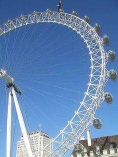 Locuri de munca in Londra prin JobsAlert.ro  http://www.jobsalert.ro/locuri-de-munca/joburi/-strainatate-cautare/0/0/0/london  Poza de Matt Brown.