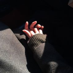 un village: Photo Couple Aesthetic, Aesthetic Photo, Aesthetic Pictures, Cute Relationship Goals, Cute Relationships, Girl Photo Poses, Girl Photos, Couple Hands, Hand Photography