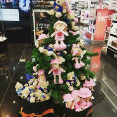 Ya es #Navidad de #peluche! #pelucheando #softtoys #Christmas #árboldeNavidad #Christmastree #softies #toys #instatoys #peluches
