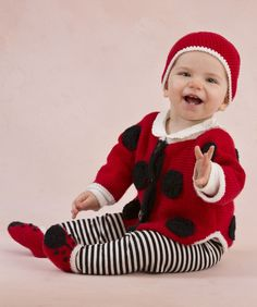 Sweet Lady Bug Baby Set Knitting Pattern #knit #redheartyarns #annegeddes