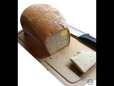 """Vlastní foto - Bezlepkový chléb s psyliem od Lenky Jurečkové (Školové) Dobrý bezlepkový chléb není tak snadné koupit, natož upéct. A to už vůbec nemluvíme o ceně. Nevím, jakou máte zkušenost, ale u nás není zatím pekařství, kde by se stejně jako například klasická """"Šumava"""" Top Recipes, Bread Recipes, Food And Drink, Gluten Free, Homemade, Loaf Recipes, Glutenfree, Hand Made, Do It Yourself"""