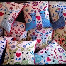Lucy Levenson, Fabric Accessories Cushions, Pillows, Creative Art, Folk Art, Needlework, Applique, Cross Stitch, Crafty, Quilts