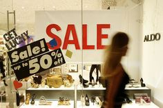 Retailers Push Pre-Christmas Sales To Last Minute Shoppers