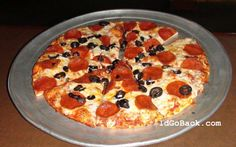 WOW.....Rusty's Pizza in Bakersfield, Ca...it's Totalicious!