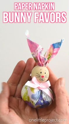 These paper napkin bunny favors are SO CUTE! And they're really easy to make! With dollar store paper napkins and foil covered chocolate eggs you can make adorable Easter treats to give away to the kids, grandkids or even to the classroom at school! Kids Crafts, Diy Crafts For Home Decor, Easy Easter Crafts, Fun Diy Crafts, Holiday Crafts, Craft Projects, Bunny Crafts, Simple Crafts, Rock Crafts