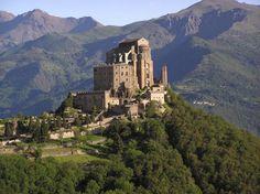 """""""O Nome da Rosa"""": a história dos edifícios reais que inspiraram a obra de Umberto Eco"""