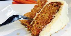 C'est de loin, le meilleur gâteau aux carottes!!! Vraiment, il est complètement fou!!!! Vous devez l'essayer, je vous promet un succès assuré.