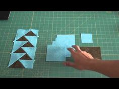 Patchwork Ana Cosentino: Bolsa Rio - YouTube Patch Quilt, Applique Quilts, Quilt Blocks, Tutorial Patchwork, Quilting Tutorials, Quilting Projects, Quilting Designs, Crazy Quilting, Quilt Boarders