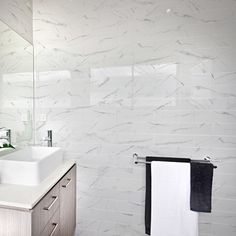 If you love stylish rooms try the Apennines marble effect tiles. These gloss white tiles with a gorgeous grey vein are perfect for bathrooms or kitchens. They look wonderful on their own or if you only fancy a little pattern we suggest using them in shower enclosures, as splash backs or why not create a feature wall? Kitchen Splashback Tiles, Best Bath Bombs, White Wall Tiles, Marble Showers, Tile Showroom, Small Tiles, Marble Effect, Shower Enclosure, Diy Interior
