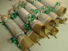 DIY Christmas Crackers!  Included inside: riddle, handmade ornament and candies!  Your guests will love this handmade touch
