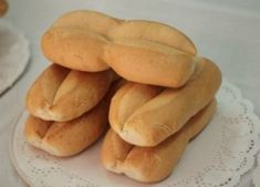 Bread Recipes, Snack Recipes, Snacks, Chilean Recipes, Chilean Food, Beauty Recipe, Hot Dog Buns, Baked Goods, Good Food