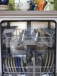 This guide is about dishwasher leaves soap scum on dishes. When you've run the dishwasher and the dishes are covered with film, it's a problem. Flylady, Soap Scum, Home Organisation, Home Management, Natural Cleaning Products, Home Hacks, Clean House, Housekeeping, Cleaning Hacks