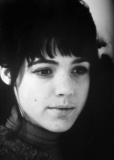 Edie Sedgwick in Cambridge c. 1964. Edie Sedgwick (April 20, 1943 – November 16, 1971) was an American actress, socialite, model and heiress. She is best known for being one of Andy Warhol's superstars. #EdieSedgwick