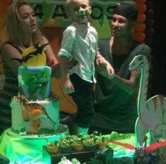 heartsoftruth:  Carol, Neymar & Davi during his birthday party (24/08/'15)