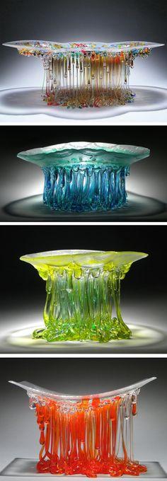 "Dripping Glass Fusion ""Jellyfish"" Sculptures by Daniela Forti  -- Gaaf, lijkt beetje op een kwal."