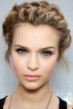 Viso a cuore: idee e stili per il tuo look capelli #HairSTyle