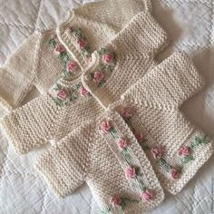 Knitting Pattern for Garter Stitch Baby JacketBaby cardigan knit in garter stitch with options for knit edging or crochet edging. Knitting For Kids, Baby Knitting Patterns, Baby Patterns, Knitted Baby Clothes, Crochet Clothes, Pull Bebe, Crochet Baby Cardigan, Vogue Knitting, Baby Set