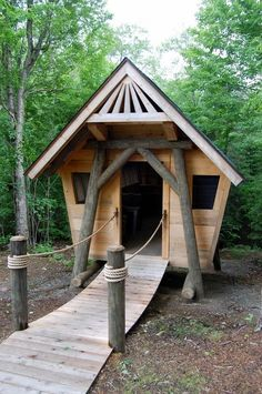 boys outdoor clubhouse Really Cool Boys Forts Kids Playhouse Series KidSpace Interiors Boys Playhouse, Backyard Playhouse, Build A Playhouse, Playhouse Ideas, Modern Playhouse, Childrens Playhouse, Cool Dog Houses, Cubby Houses, Play Houses