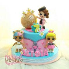 Bolo LOL Surprise + 30 Modelos de Bolo das Bonecas Lol - Bolos de Aniversário #cakelolsurprise #bolololsupresa #bolololsurprise #bolosdeaniversario #bolo #aniversario #decoração #bolodecorado #boloparafesta #festainfantil #festademenina #bolodeaniversariololsurprise - Como Fazer Doll Birthday Cake, Funny Birthday Cakes, Lol Doll Cake, Surprise Cake, Surprise Birthday, Birthday Ideas, Doll Party, Lol Dolls, Girl Cakes