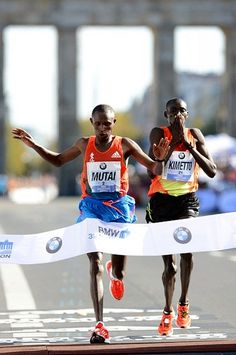 Mutai gana el Maraton BMW de Berlín 2012 by RunMX.com, via Flickr