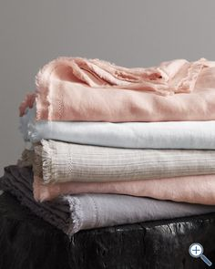 Eileen Fisher washed linen bedding @ Garnet Hill - looks like heaven... Except for the thoughts of ironing :-)