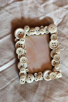 White button picture frame by BurlapbuttonsNmore on Etsy