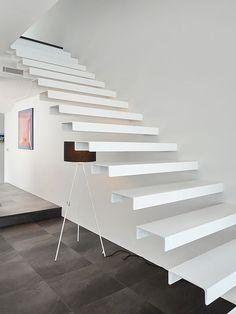 Escada de Ferro Branca