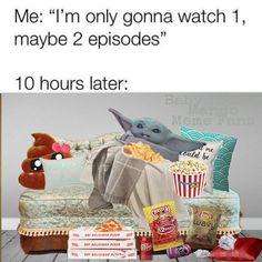 Baby Yoda - only 2 episodes Yoda Funny, Yoda Meme, Stupid Funny Memes, Funny Relatable Memes, Funny Stuff, Bruh Meme, Fuuny Memes, Relatable Posts, Funny Humor