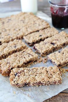 Homemade Whole Grain Fruit-Filled Bar Recipe on http://twopeasandtheirpod.com A great on the go, after school, or anytime snack!
