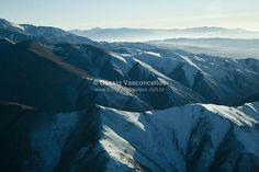 Snowy montains on Andes, Mendoza, Argentina. http://www.fotografiasaereas.com.br/banco-de-imagens/natureza/montanhas-com-neve-nos-andes-mendoza-argentina-4/