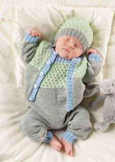 wanna pick him up and give him a smooch! Baby Hats Knitting, Knitting For Kids, Baby Knitting Patterns, Baby Patterns, Knitting Projects, Baby Boy Outfits, Kids Outfits, Baby Barn, Kids Beanies