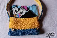 Crochet PATTERN Minion yellow and blue por AtelierHandmadecom
