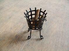 Sabs Mini Interiors: How to make a Fire Basket!