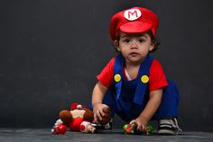 Naza Bross Mario, Character, Costumes, Party, Lettering