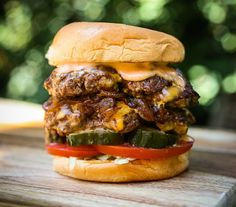 Besides the great seasoning and taste of the burger patty, the obvious thing that makes Shake Shack's ShackBurgers so great is the tangy Shack sauce. Shake Shack Sauce, Special Sauce Recipe, Wrap Sandwiches, Daily Meals, Sauce Recipes, Food Truck, Salmon Burgers, A Food, Food Processor Recipes