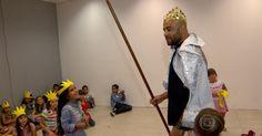 Fora do octógono, lutador do UFC Warlley Alves vira recreador infantil