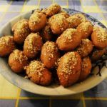 Discover ten scrumptious, delicious, mouth-watering Greek desserts you should try at least once in your lifetime. Greek Sweets, Greek Desserts, Greek Recipes, Greek Cookies, Honey Cookies, Almond Shortbread Cookies, Walnut Cookies, Cookie Flavors, Cookie Recipes