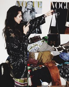 Hoarder.  @bydanienl #zondag Passion For Fashion, Love Fashion, Womens Fashion, Weekend Vibes, Le Weekend, City Style, Facon, Winter Wear, Fashion Pictures