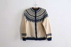 HandKnitted in Norway by LesChiffonniers on Etsy https://www.etsy.com/listing/208239640/handknitted-in-norway
